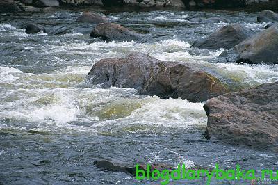 Зимняя ловля форели на реке